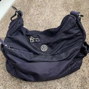Lululemon Arabesque Bag, Black Swan (dark purple)